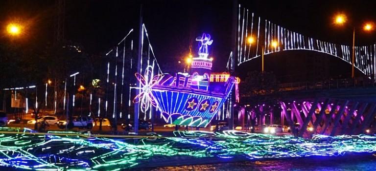 MEDELLÍN'S FESTIVAL OF CHRISTMAS LIGHTS