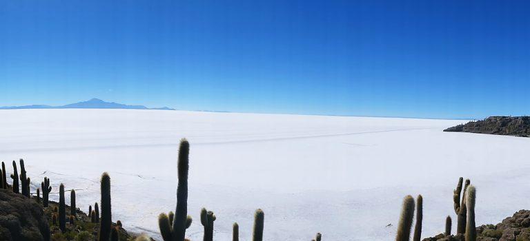 BOLIVIA – UYUNI SALT FLATS, LAGOONS & IMPRESSING MOUNTAIN LANDSCAPES